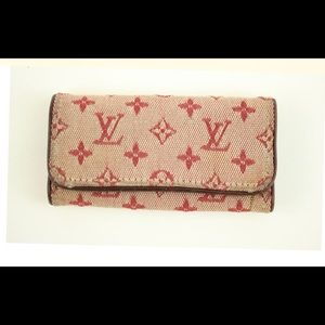 Louis Vuitton key holder-